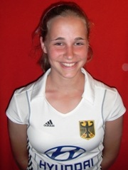 Lara Dodd in der U18 2011