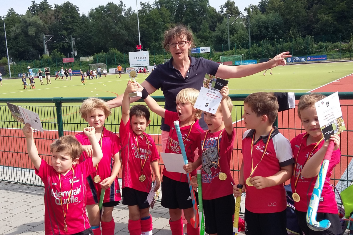 Minis nach Gewinn des smart hockey cup 2016 in Heilbronn