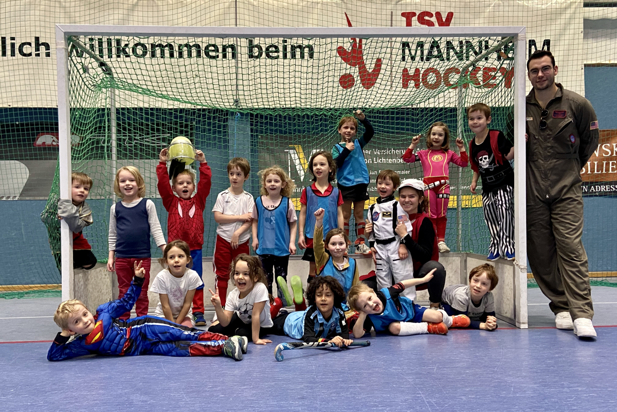 Närrisches Training der Minis